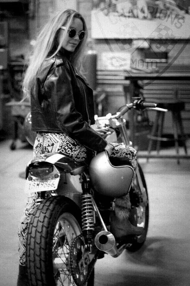 Cafe girl #bike