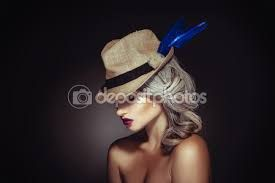 Znalezione obrazy dla zapytania piękne kobiety siwe włosy