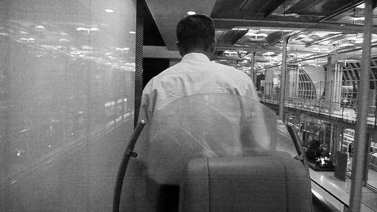 【最強】タイ国際航空のファーストクラスに乗ると「カートに乗ったまま空港内を移動」できてラクチンすぎる件