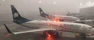 Cierran el Aeropuerto de Ciudad de México, inundado por las lluvias
