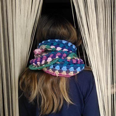 Bufanda circular de colores (ganchillo)