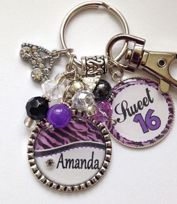 DULCE regalo de 16, nombre personalizado llavero púrpura y negro cebra Print diseño niños, nieta, hermana tía coche de rhinestone
