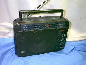 GE Superadio 7-2887B Portable High Performance Radio Boombox