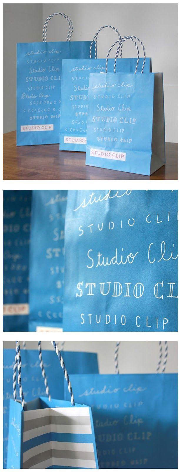 woolen / graphic: blue bags