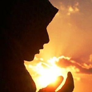 İslami Yayınlar: MÜSLÜMAN KADININ RABBİ'NE KARŞI GÖREVLERİ