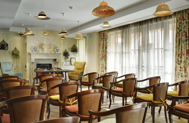 Ville sull'Arno luxury Hotel in Florence, Italy. Project by FZI, chairs made by Venetasedie.
