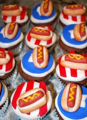 hot dog cupcakes!