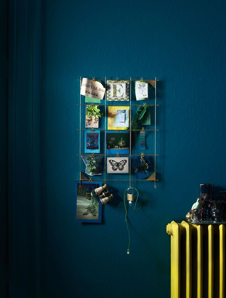 Clip or hang up bits and bobs on a MYRHEDEN frame. Create an attractive display out of the small things you don't want to throw away. Find it at IKEA!