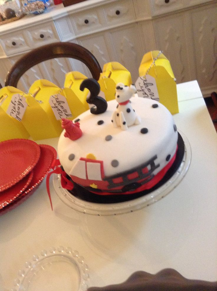 Cartoonito Cake Design : Pi? di 25 fantastiche idee su Compleanno Pompiere su ...