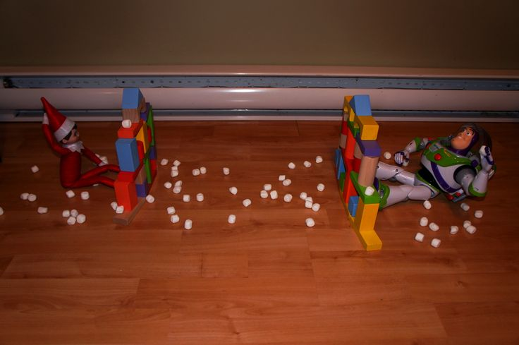 Elf on the shelf snow ball fight with buz!