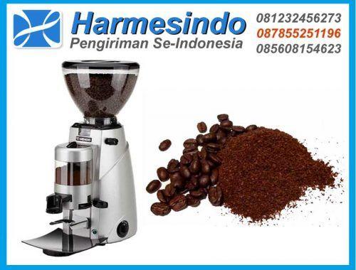 Mesin Giling Kopi THEO 64 Coffee Grinder adalah Gilingan Kopi / Mesin penggiling kopi ini membantu kita untuk menghasilkan kopi berkualitas tinggi. Mesin Penggiling Kopi ini cocok digunakan untuk keperluan sehari-hari di rumah, untuk memproduksi kopi bubuk atau juga digunakan di kedai atau kafe.Karena biji kopi tidak bisa dibuat minuman, maka anda membutuhkan mesin penggiling kopi.