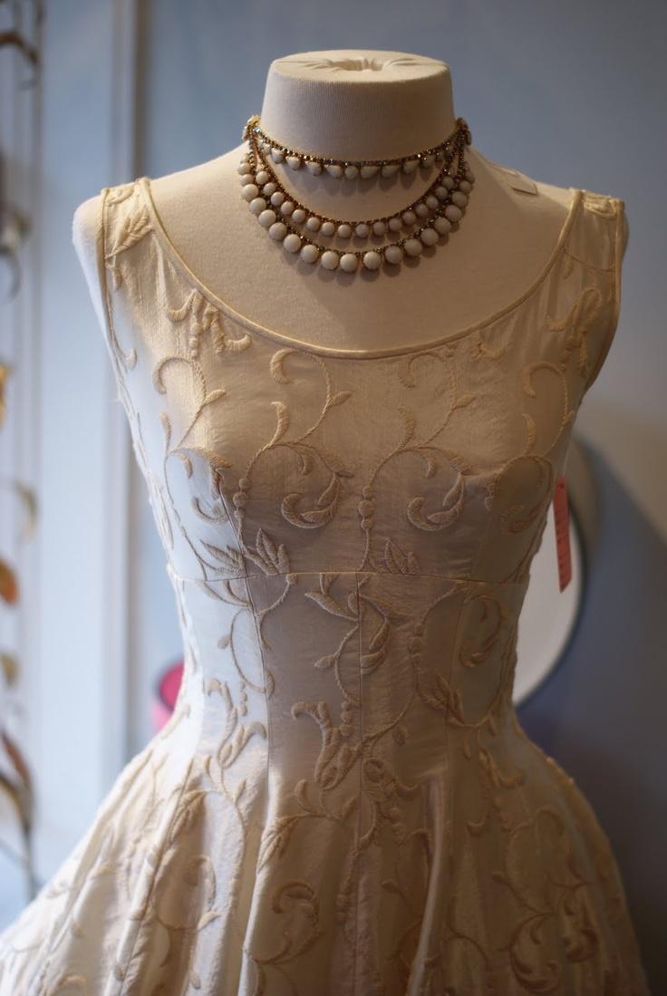 Xtabay Boutique Vintage Ένδυση - Πόρτλαντ, Όρεγκον: Happy Δευτέρα ....