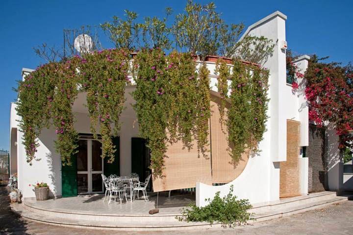 B&B Villa Ines. Santa Maria di Leuca. ingresso. veranda anteriore.