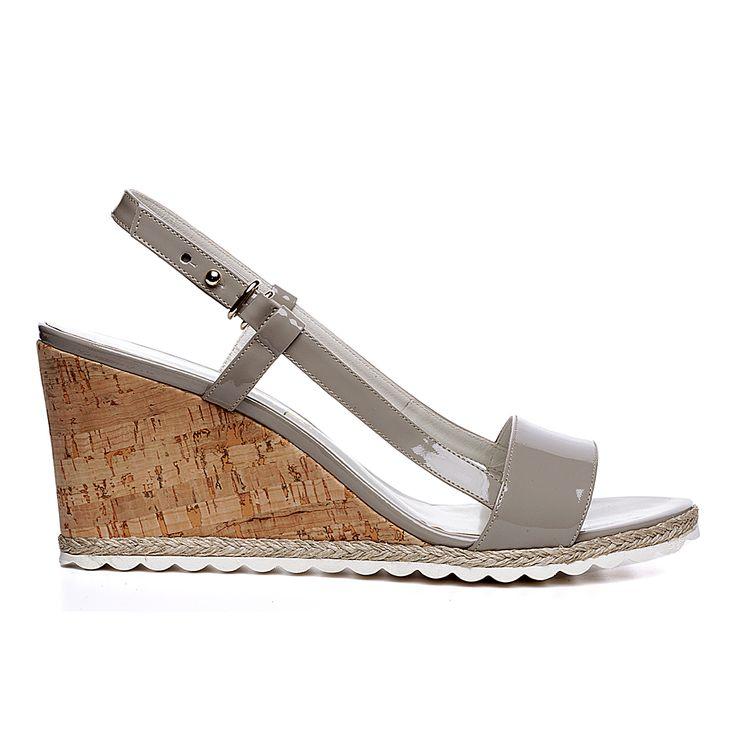 Code: 652B01 Heel height: 7 cm www.mourtzi.com #wedge #grey #patent