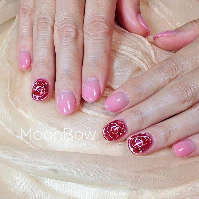 かわいいピンクのグラデーションとグラスフラワー🌹 お花をガラスにとじこめたような奥行きあるデザインです💐✨ glass flower ♡ Bohemian nails  Please take a look my other nails 💕💅✨ * #glassflower #フラワーネイル #お花ネイル #ローズネイル #ピンクネイル #グラデーション #アンティーク #70s #ボヘミアン #ウェディングネイル #bohemian #大人可愛い #自爪 #春ネイル #冬ネイル #今日のコーデ #長持ちネイル #セルフネイル #サロンモデル #ファッション #お洒落 #オトナ女子 #つやつや #ゆで卵 #206マリー #maogel #マオジェル #maogel導入サロン #maogel導入サロン名古屋