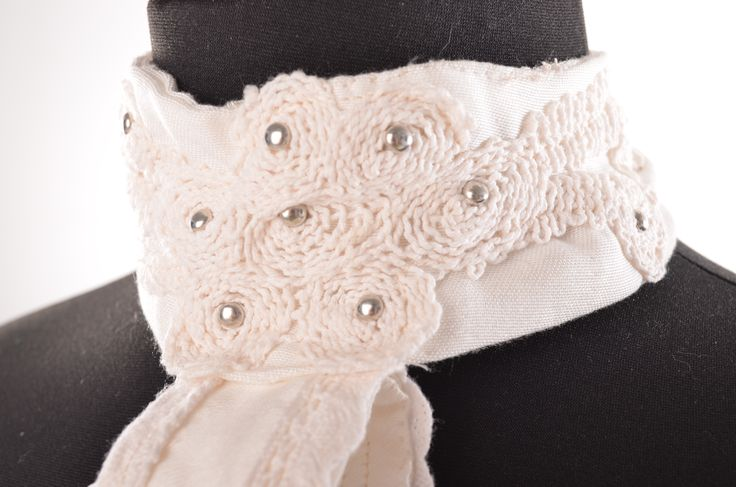 plastron detial of lace and beading
