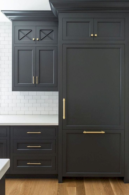 Gorgeous 90 Awesome White Kitchen Cabinet Design Ideas https://decorapatio.com/2018/02/22/90-awesome-white-kitchen-cabinet-design-ideas/