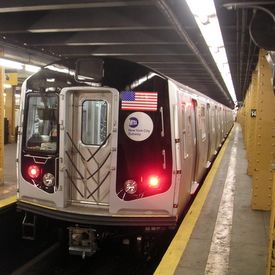 NYC Subway Goes Glam With Electronic Makeup Kiosk By Angela Moscaritolo October 31, 2013