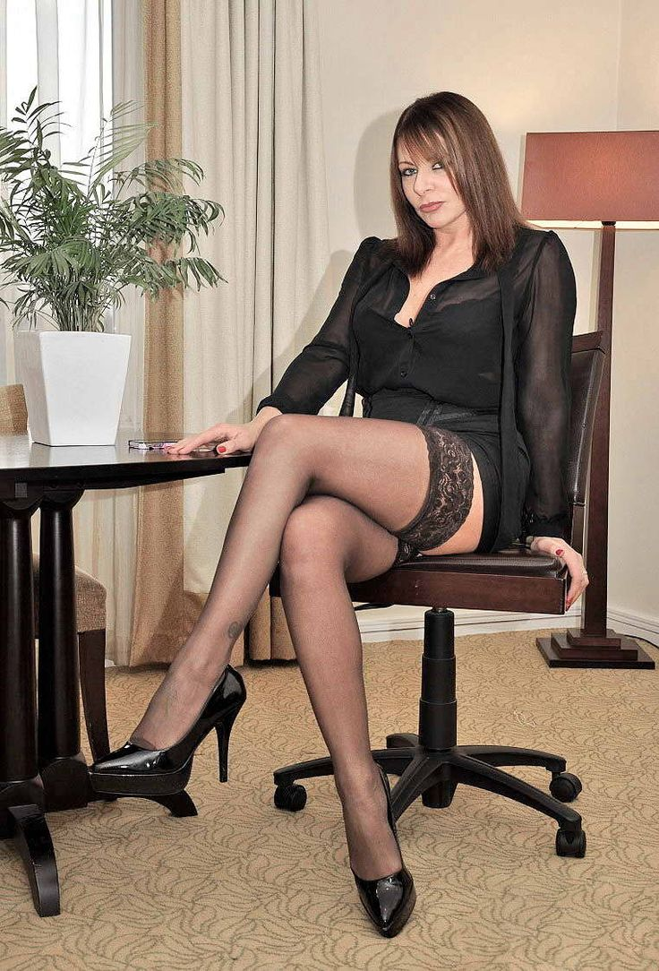 Pin On Women Wearing Nylons-7666