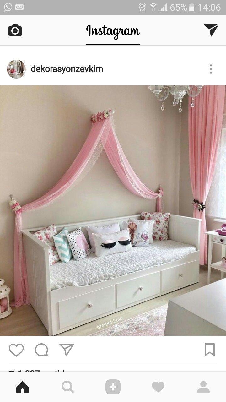 Ein einfaches Cinderella-Schlafzimmer für Ihr Kind.