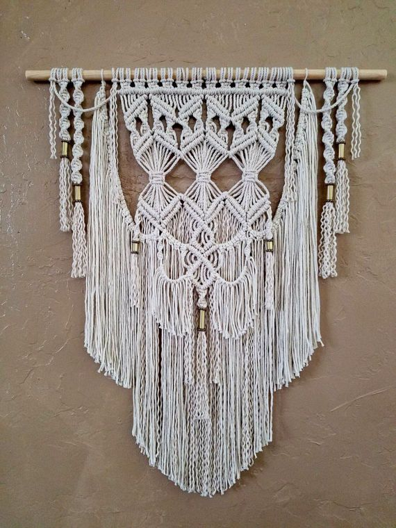 best 25 hanging tapestry ideas on pinterest doorm room. Black Bedroom Furniture Sets. Home Design Ideas