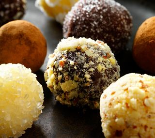 Lindt Chocolate Truffles <3 Not a copycat, it's directly from their website. Would be a super homemade gift for the holidays.