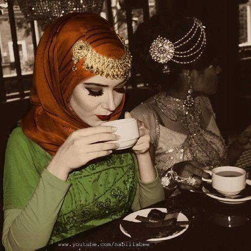NABILAbee hijab chain