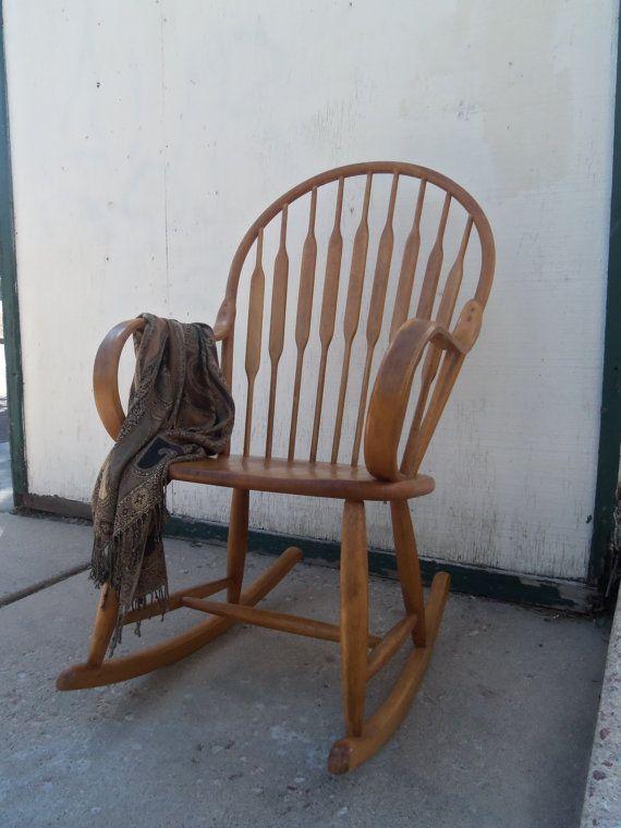 Les 25 meilleures id es de la cat gorie chaise ber ante bentwood sur pinterest chaise - Cheval a bascule ikea ...