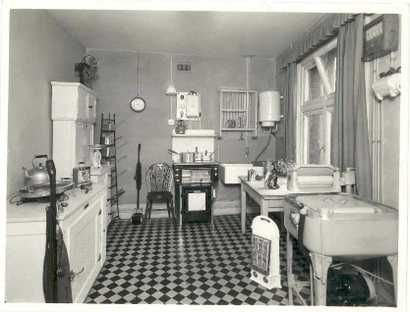 Google Image Result for http://3.bp.blogspot.com/-DcfcNkNFSEs/TVbq5cgp_kI/AAAAAAAABxA/jGf5ogZKKrQ/s1600/ultra_modern_american_kitchen_of_th.jpg