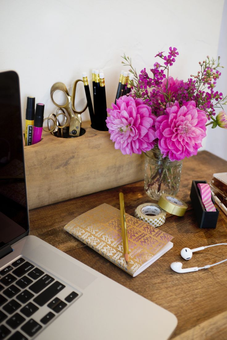 Love this rustic chic desk setup! Shout out to the black and gold pencils from Letter C Design featured in our September 2014 box!