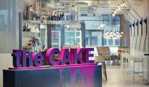 Украинское кафе The Cake в современном стиле
