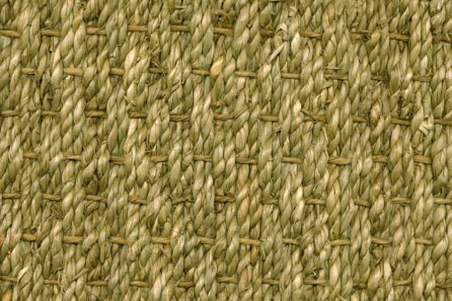 Een tapijt met een natuurlijke uitstraling pur sang. Een typisch product voor vloeren waarbij ambachtelijkheid en oorspronkelijkheid in het interieur op prijs worden gesteld.