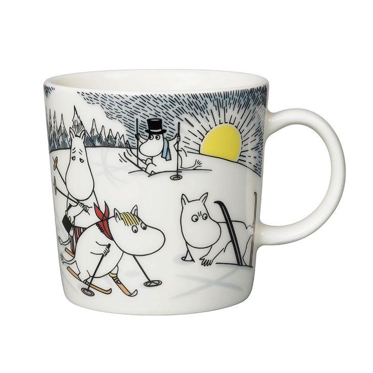 Mumin Vintersäsong Muminmugg Skidor Med Herr Brisk - Tove Slotte-Elevant - Arabia - RoyalDesign.se