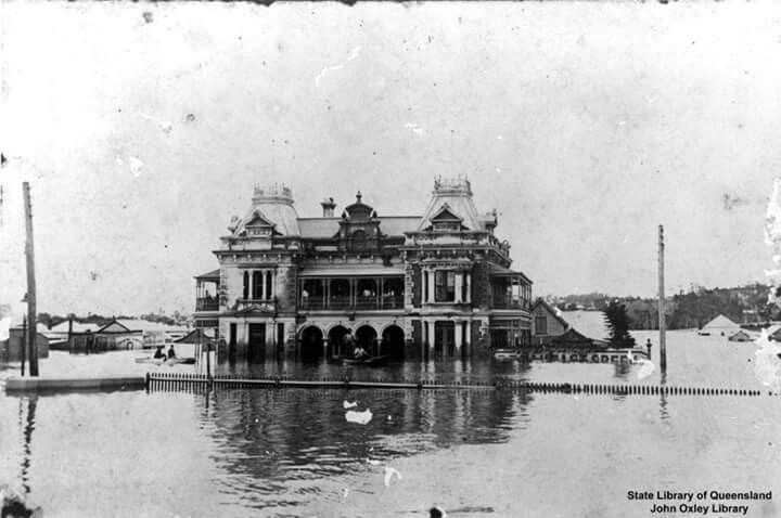 Breakfast Creek Hotel during the 1893 floods.Located Kingsford Smith Drive,Breakfast Creek,Brisbane. Photo from State Library of Queensland.A♥W