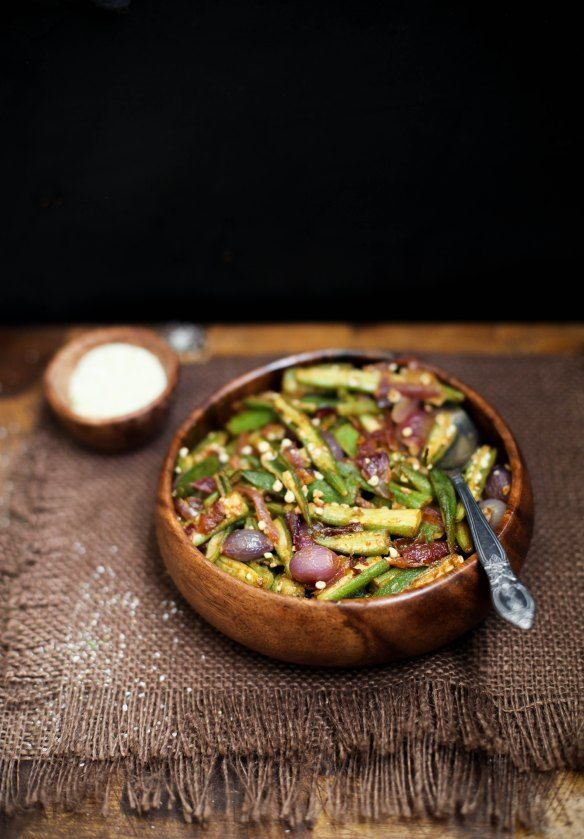 Bhindi Do Pyaza – Okra Stirfry With Pearl Onions | Sinfully Spicy