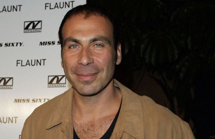Taylor Negron dead; comedian and playwright was 57