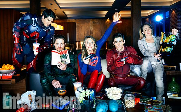 All In The Family: Inside DC's Ultimate Superhero Crossover   Brandon Routh (The Atom), Stephen Amell (Green Arrow), Melissa Benoist (Supergirl), Grant Gustin (The Flash), and Caity Lotz (White Canary)   EW.com