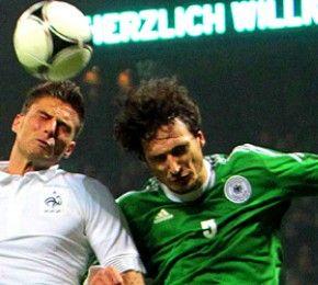 Frankreich besiegt Deutschland - Fußball-Länderspiel - Die deutsche Nationalmannschaft hat das Freundschaftsspiel gegen Frankreich in Bremen 1:2 verloren.