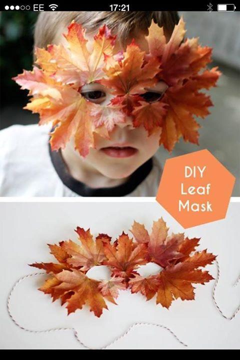 Maskers maken van natuur spulletjes.