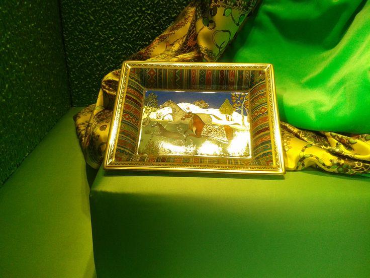 accessoires Hermès, ici un cendrier de la vitrine vert pré