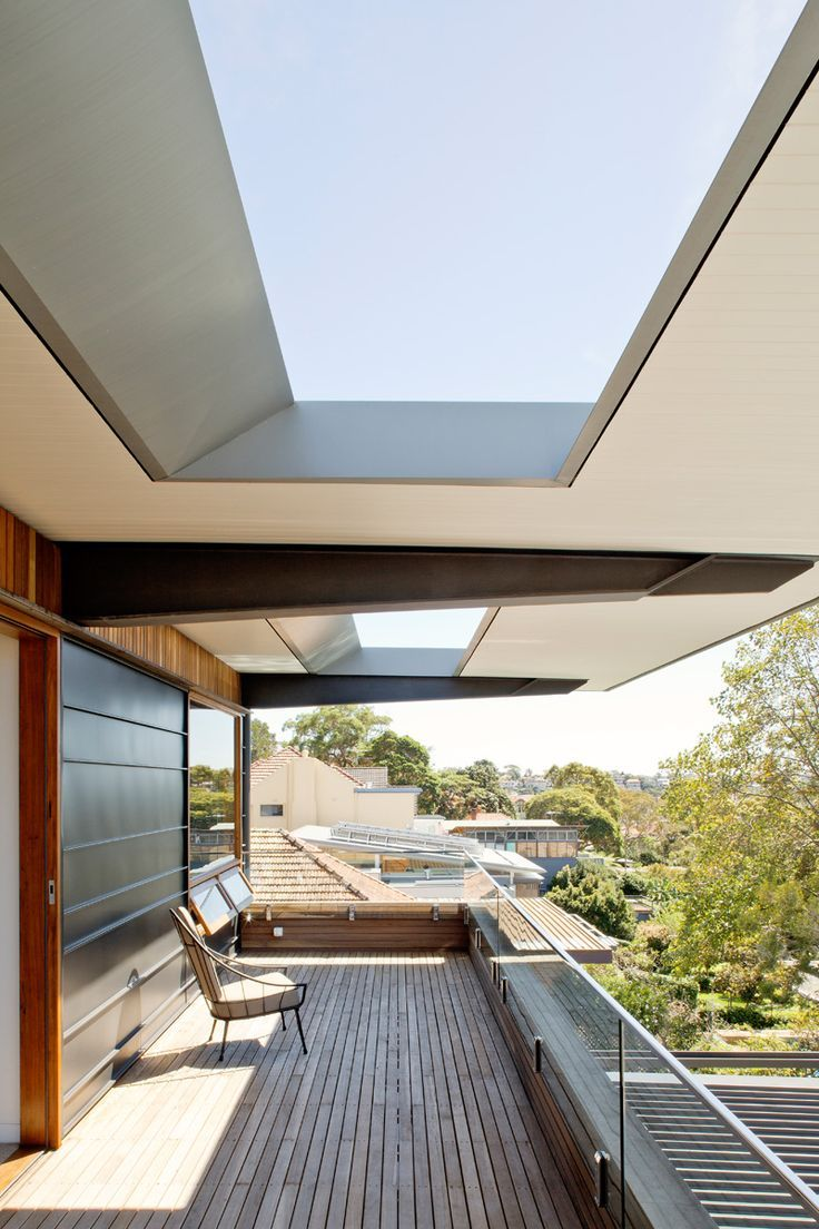 Contemporary Home in an Exposed Corner Site in Sydney ...