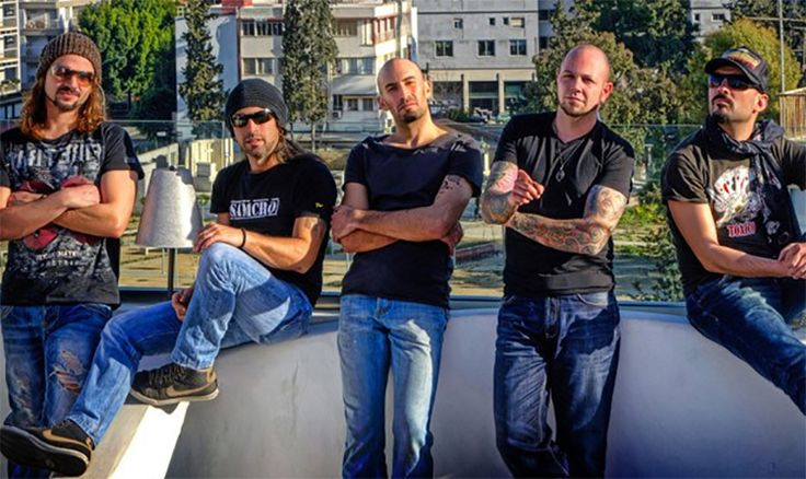 Der zypriotische Rundfunk CyBC hat entschieden, keine Vorausscheidung für das nächste Jahr zu organisieren, und wählte seinen Teilnehmer für Stockholm intern. Das ist die fünfköpfige Band Minus One.