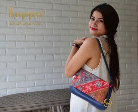 PELLICIA LASEM KOPITUTUNG CLUTCH  by: Kuppu Batik & Tenun  3.550.000,00  A natural-dye antique Batik  from Lasem, combined with navy blue  Italian Leather are so handy and lightweight for every day style. - 32x18x1cm (LxHxW) - Antique Kopitutung Batik from Lasem, Central Java, Indonesia  www.kuppubatiktenun.com  More info  Laura 08119103668 Pin BB 751E6162 #pellicia #lasem #kopitutung #kuppu #batik #tenun #handbag #tasbatik #taskulit #kulit #italianleather #indo