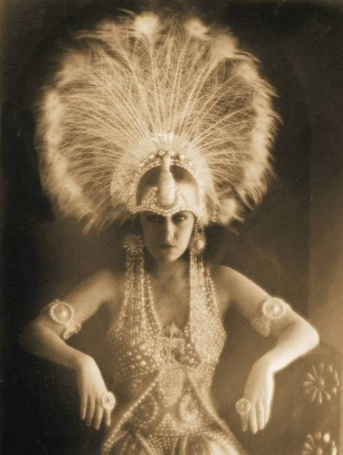 Gloria Swanson   huge ostrich headdress -1919  there's something mesmerising about this photo