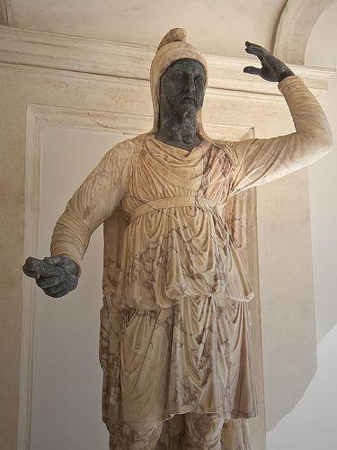 Colossal statue of a Dacian Roman in marmo giallo antico palazzo Altemps Flickr – Condivisione di foto!