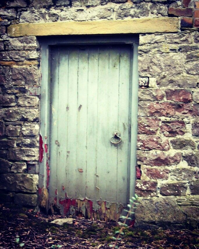 Shabby doorway
