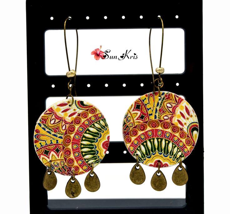 Boucles d'oreilles ethniques motifs indien mandala rose, jaune, vert et sequins gouttes bronze