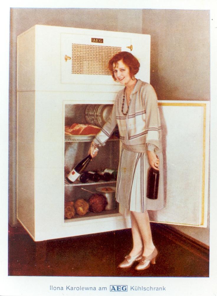 359 best 1930 39 s home images on pinterest vintage ads home magazine and housewife. Black Bedroom Furniture Sets. Home Design Ideas