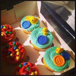 Kitty Cupcake - Custom cupcakes / cookies