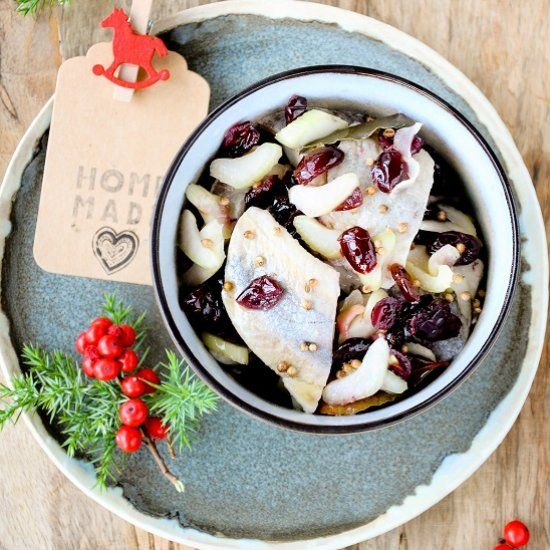 Looking forward to Christmas with herring with cranberry, celery and coriander seeds in walnut oil (in Polish)